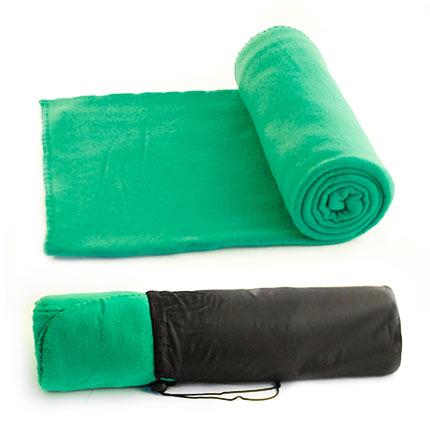 """Флисовый мягкий плед """"Коралл"""" в чехле на завязке, имеющем ручку-лямку на тыльной стороне для удобства переноски, зелёный 339С"""