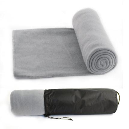 """Флисовый мягкий плед """"Коралл"""" в чехле на завязке, имеющем ручку-лямку на тыльной стороне для удобства переноски, серый"""